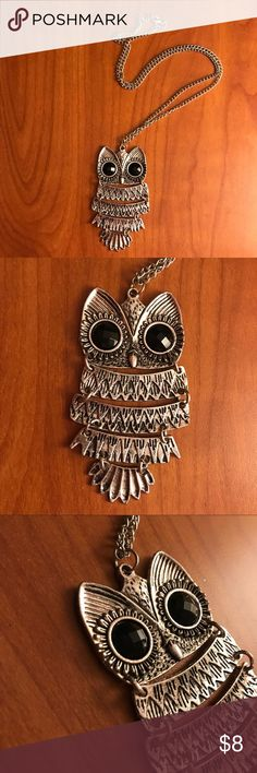 Silver owl necklace Super cute silver owl necklace with black crystal eyes Jewelry Necklaces