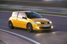 Part Renault Test Drive - The Megane Sport F1, Sport Cars, Megane R26, Clio Rs, France, Driving Test, Cars And Motorcycles, Automobile, Hui