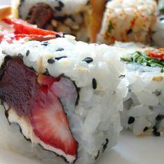 Sushi - morango com cream cheese e goiabada