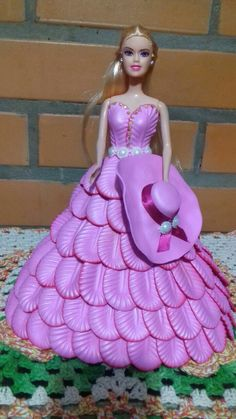 Barbie Cake, Giant Paper Flowers, Laurel Burch, Gladiolus, Fat To Fit, Doll Crafts, Doll Clothes, Diy And Crafts, Wedding