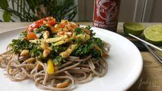 Ensalada Thai / Kale, un nuevo superalimento de toda la vida - foodie&chef