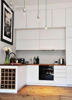 small kitchen in matt white with worktop in solid wood - White Kitchen Remodel Minimalist Apartment, Minimalist Kitchen, Kitchen Vinyl, Kitchen Decor, Kitchen Ideas, Kitchen Countertops, Kitchen Cabinets, Kitchen Taps, Modern Sink