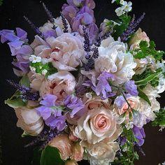Katie's Bouquet // Flowers for a Bride in Breckenridge, Colorado #breckweddings   petalandbean.com