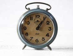 Vintage French JAZ BLUE Alarm clock by RueDesLouves (95$) So nice. I love old clocks and phones
