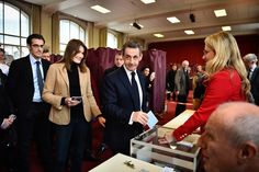 Nicolas Sarkozy et Carla Bruni matinaux pour aller voter (Photos) Check more at http://people.webissimo.biz/nicolas-sarkozy-et-carla-bruni-matinaux-pour-aller-voter-photos/