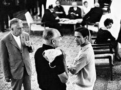 Eugenio Montale, Alberto Moravia, Pier Paolo Pasolini e (sullo sfondo) Giuseppe Ungaretti.