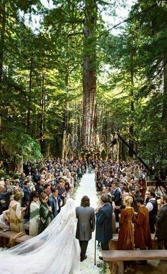 Enchanted forest wedding. This would be a beautiful wedding. I want!!