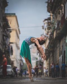 Stunning Portraits of Agile Ballet Dancers on the Candid Streets of Cuba - My…