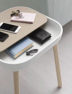 Products we liek / Sidetable / Round corners / White / Wood Top / Furniture / at MY EYES OPEN