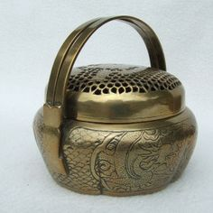 cricket cages | ... century CHINESE HAND WORKED BRASS CRICKET CAGE BOX 6 CHARACTER MARK