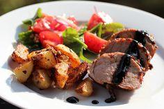 Honning- og sennepsmarinert svinefilet med tomatsalat og sennepsbakte poteter Grilling, Pork, Favorite Recipes, Summer, Kale Stir Fry, Crickets, Pork Chops
