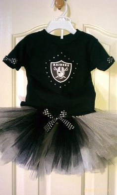 She is gunna look so cute come football season!! Oakland Raiders tutu set 3T5T by LexasCloset on Etsy, $40.00