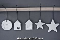 Looks and Houses: For a Christmas . White - Ideas and DIY .- Looks and Houses: Pour un Noël … Blanc – Idées et bricolage Looks and Houses: For a Christmas … White – Ideas and DIY- - Diy Xmas Ornaments, Clay Christmas Decorations, Christmas Crafts, Holiday Decor, Christmas Ideas, Dough Ornaments, Star Ornament, Modern Christmas, Noel Christmas