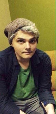 Gerard - love his new hair! he looks good silver <3
