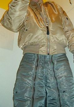 Bomberjacket and Nylon Pants Adidas Shorts, Bomber Jackets, Hoodie Jacket, Parka, Trousers, Hoodies, Guys, Bracelets, Fashion