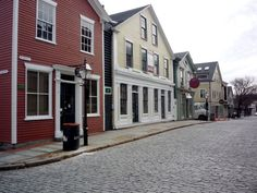 The New Bedford Whaling District, New Bedford MA. This place is really underrated! I need to check this out. http://www.visitingnewengland.com/scenesofnewengland77.html