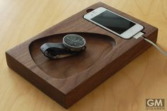 Timber Tray (ティンバートレイ)があれば、決まった場所にスッキリと小物を保管できます。