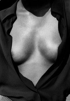 b89bdcc95da9616d6d3dd3a42b3b76b5--black-white-photography-erotic-photography.jpg (736×1069)