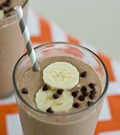 Oatmeal Chocolate-Banana Breakfast Shake