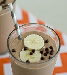 Oatmeal Chocolate-Banana Breakfast Shake