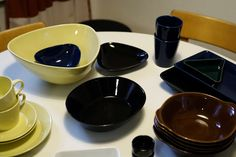 Kirppisrakkautta Glass Design, Chocolate Fondue, Industrial Design, Finland, Nostalgia, Tableware, Desserts, Beautiful, Food