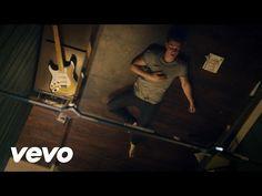 "Assista ao clipe de ""Treat You Better"", single de Shawn Mendes"
