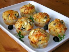 suolaiset muffinit Salty Foods, Salty Snacks, Good Food, Yummy Food, Fodmap Recipes, Breakfast Dishes, Quick Meals, Baking Recipes, Feta