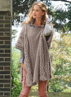 159 – Poncho – Knitting patterns, knitting designs, knitting for beginners. Crochet Poncho, Knitted Poncho, Knitted Shawls, Baby Knitting Patterns, Knitting Designs, How To Purl Knit, Fall Winter Outfits, Crochet Clothes, Knitwear