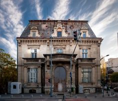 Fotografie: Casino Victoria - Bucharest, Romania One of the most well known buildings in Bucharest.  #Romania #Bucharest #Casino #Victoria #old #building