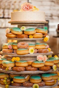 Looking for something totally different? Wedding doughnuts are a sweet treat sure to please your crowd! #somethingblue #somethingbluebridal