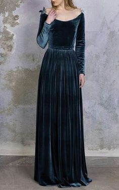 Cheap dress up clothes kids, Buy Quality dress point directly from China dress blouses plus size Suppliers: Velvet Dress Floor Length Women 2017 Spring Big Size Long Sleeve Maxi Elegant Bodycon Party Dresses Beautiful Gowns, Beautiful Outfits, Pretty Outfits, Pretty Dresses, Moda Boho, Velvet Fashion, Gothic Fashion, Mode Inspiration, Dream Dress