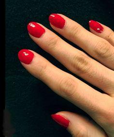 Ein Forscherteam hat sich die Inhalte von 3000 Nagellackfläschchen mal näher angeschaut. In ca. der Hälfte aller untersuchten Nagellacke so bekannter Marken wie Maybelline, Revlon, und Essie waren Inhaltsstoffe, diegesundheitsschädlich sein können. Lackieren Sie sich regelmäßig die Nägel und wissen … Weiterlesen →