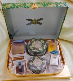 Rare Vtg Vanity Presentation Gift Box Set Coty Emeraude Perfume Air Spun Powder in Health & Beauty, Fragrances, Women | eBay
