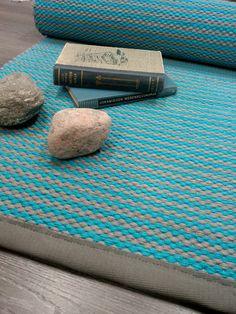 Weaving Textiles, Ottoman, Rugs, Loom, Photoshoot, Design, Home Decor, Weaving Looms, Homemade Home Decor