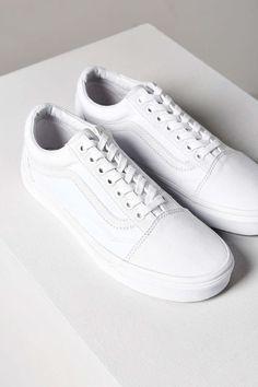 2f26aa7863 Vans Classic Old Skool Sneaker