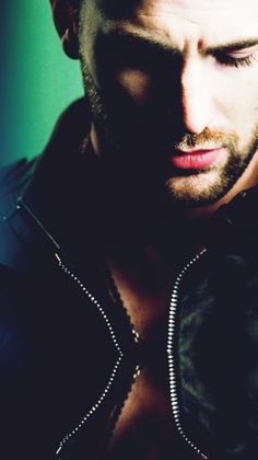 Chris Evans>>Love it!