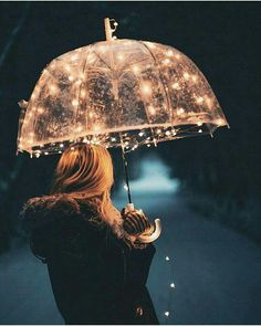 Fairy lights can make anything beautiful Jolie Photo, Pretty Pictures, Love Pics, Portrait Photography, Rainy Day Photography, Photography Ideas, Photography Lighting, Christmas Tumblr Photography, Fairy Light Photography