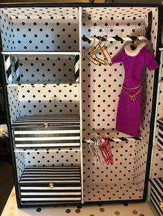 barbie furniture Barbie Closet - Made from drawer organizer Barbie Wardrobe, Diy Wardrobe, Diy Barbie Furniture, Dollhouse Furniture, Barbie Doll House, Barbie Dolls, Homemade Closet, Doll Closet, Diy Barbie Clothes