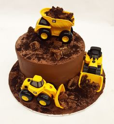 Add your own toys to make this super chocolate-y cake even better! Digger Birthday Cake, Digger Birthday Parties, Digger Cake, Truck Birthday Cakes, Construction Birthday Parties, 2nd Birthday, Birthday Ideas, Dump Truck Cakes, Jungle Cake