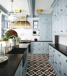 """examples of """"blue"""" cabinets some with black countertops Your kitchen cabinets do not have to be white! Explore 23 gorgeous blue kitchen cabinet ideas and see the suggested blue kitchen cabinet paint colors. Oak Kitchen Cabinets, Kitchen Cabinet Colors, Painting Kitchen Cabinets, Kitchen Colors, Kitchen With Black Countertops, Colorful Kitchen Cabinets, Blue Kitchen Ideas, Black Kitchen Countertops, White Cabinets"""