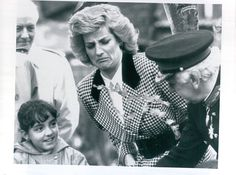 Something smells bad face?: Vintage 1987 Lady Princess Diana Makes A Face Entertaining A Child Press Photo