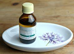 Oil Cleansing Method bei trockene & unreine Haut: Rizinus- & Jojobaöl - BlondBlog