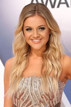 Kelsea Ballerini at the 2015 CMA Awards. http://beautyeditor.ca/2015/11/10/cma-awards-2015