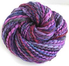 Laine filée main main teint laine fils encombrants vgs 254 6,9 oz - Plum Persuasion