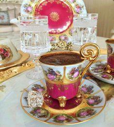 Coffee Set, Coffee Break, Coffee Drinks, Coffee Cups, Espresso Cups, Good Morning Coffee, Breakfast Tea, Coffee Photography, Turkish Coffee
