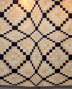 "Optical illusion, ""Entwined"" by Suzet Pont, International Quilt Show Dubai 2008"