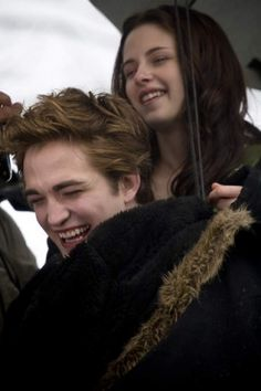 Oh my gosh..RoB ur smile lights the whole world..<3