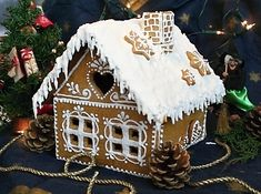 Gingerbread House Designs, Gingerbread Decorations, Christmas Gingerbread House, Christmas Fun, Christmas Decorations, Gingerbread Houses, Christmas Grotto Ideas, Elegant Birthday Cakes, Snowman Cake
