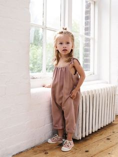 States little kid fashion, fashion kids, baby girl fashion, toddler fashion Fashion Kids, Little Girl Fashion, Toddler Fashion, Fashion Fashion, Korean Fashion, Zara Kids, Kids Collection, Kid Styles, My Baby Girl