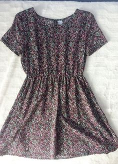 ae6a01ee4c70c1 H&M Sukienka w kwiatki na lato, rozmiar S, gumka w pasie, wymiary, zdjęcia,  zwiewna i dziewczęca